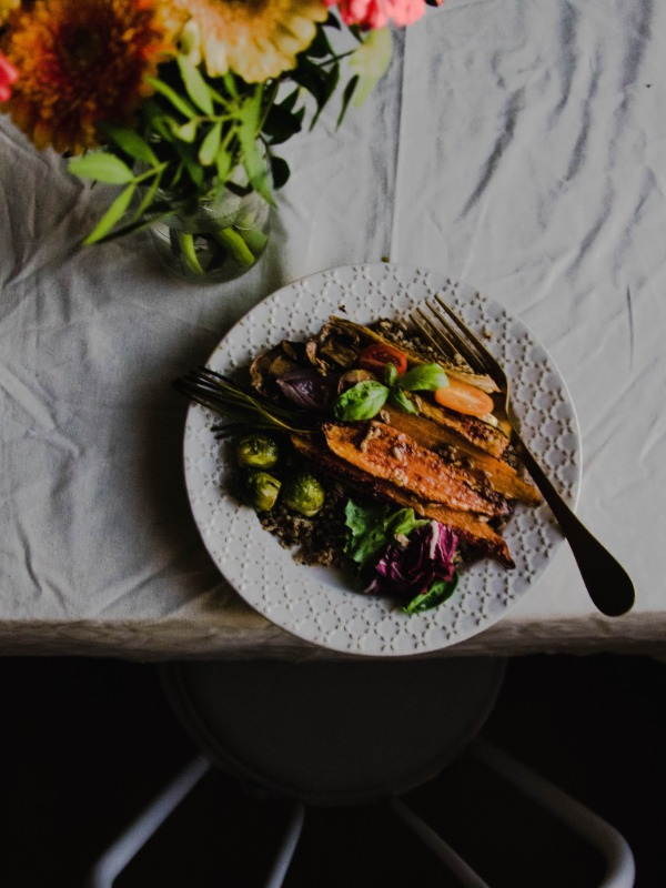 Quinoa bowl with spiced roasted vegetables (video)